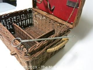 1930's English natural wicker picnic basket with fitted interior