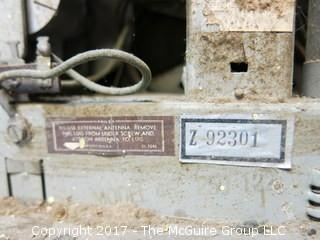 Philco Transitone Ivory Bakelite Table Top Radio; Model 48-250