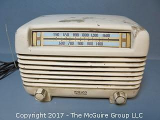 Philco Transitone Ivory Bakelite Table Top Radio; Model 48-250