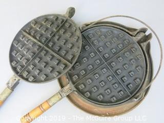 #8 Wagner Cast Iron Stovetop Waffle Maker with Wooden Handles