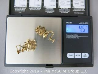 14k gold clip on earrings with single set pearls; 4.5g