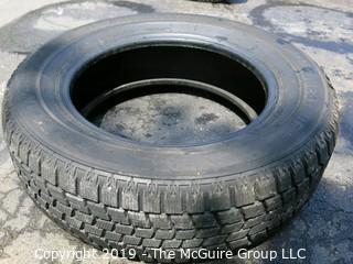 (1) Bridgestone Studless Blizzak Tire