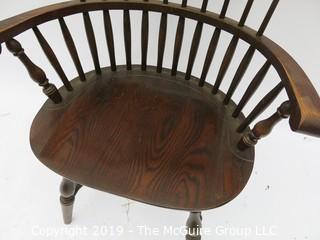 Windsor Arm Chair; 27W x 18D x 35T
