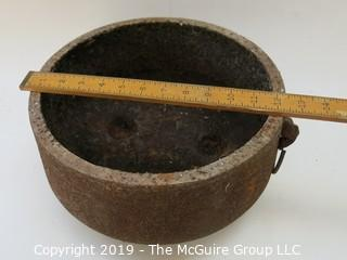 Tri-Footed (unusual recessed feet inside) Iron Pot with handle