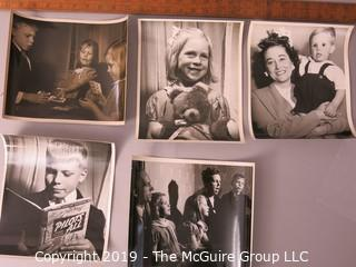Photo: Unaccredited: Historical; Americana: Family with children at Play