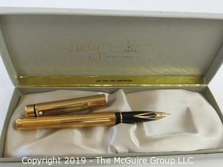 Pen: Lady Sheaffer pen in box w/seal