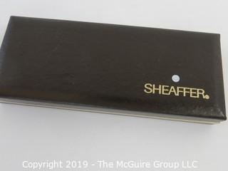 Pen: Sheaffer ink pen steel nib, gold electroplated mesh.